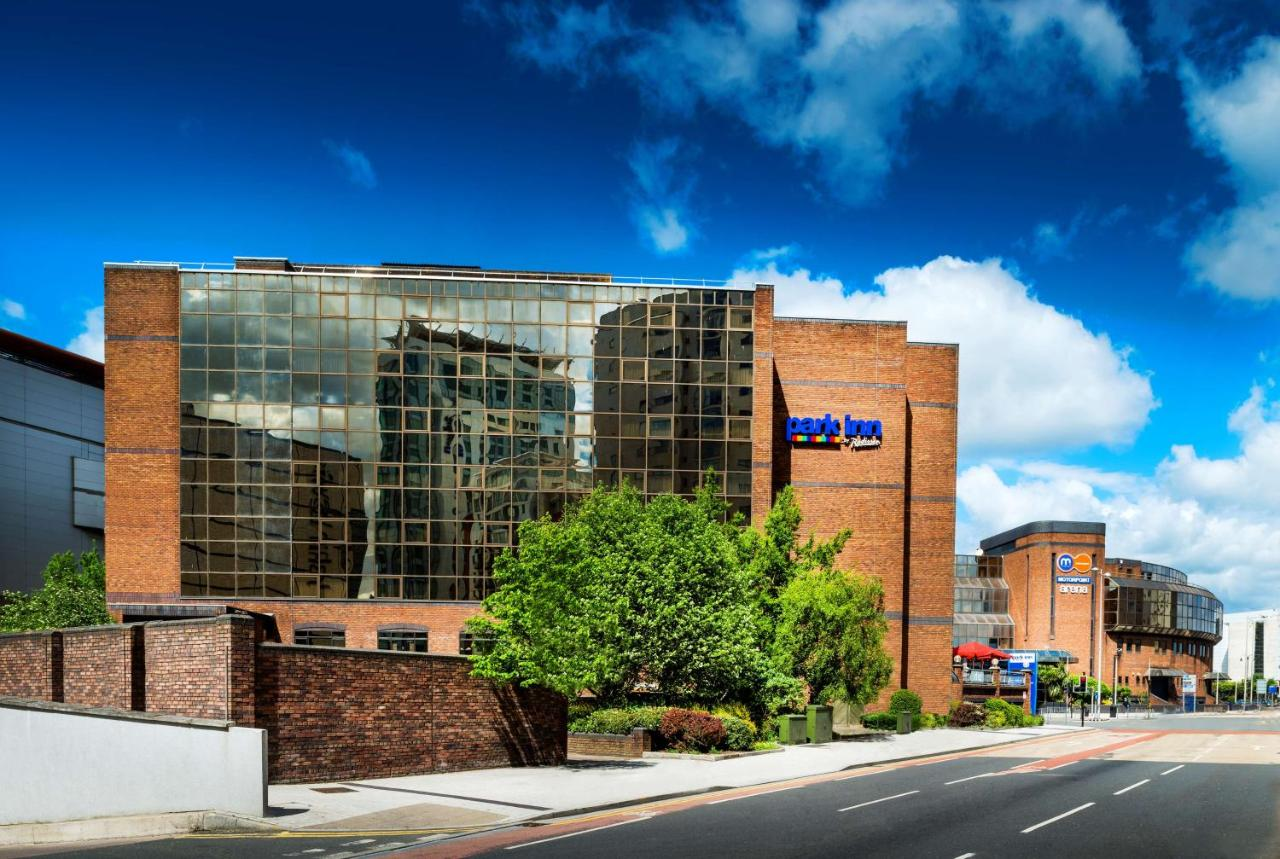 Park Inn by Radisson Cardiff City Centre - Laterooms