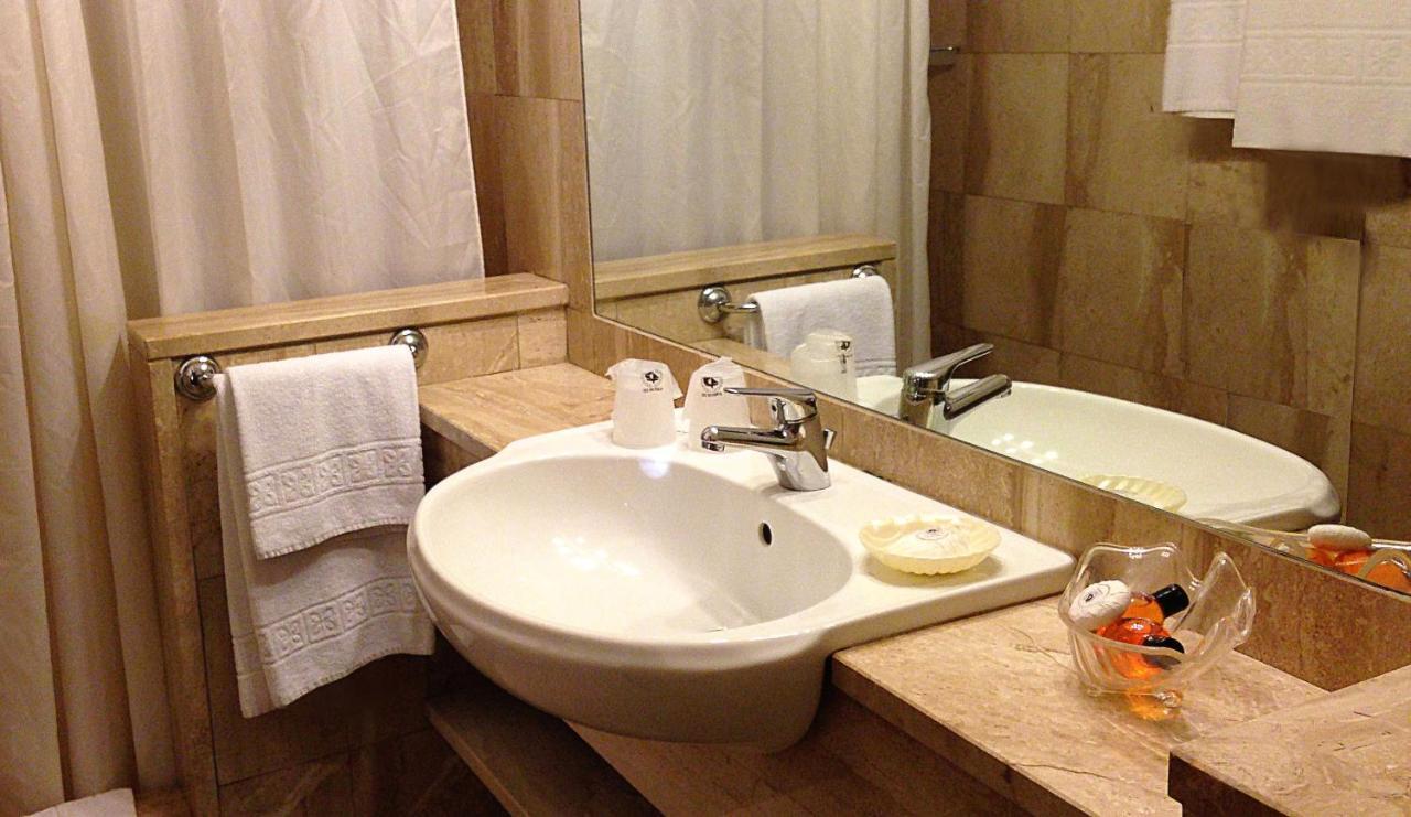 Colonna Palace Hotel Mediterraneo - Laterooms