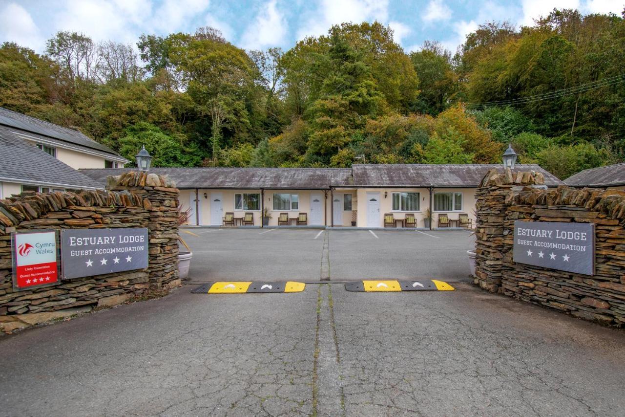 Estuary Lodge and Snowdonia Restaurant - Laterooms