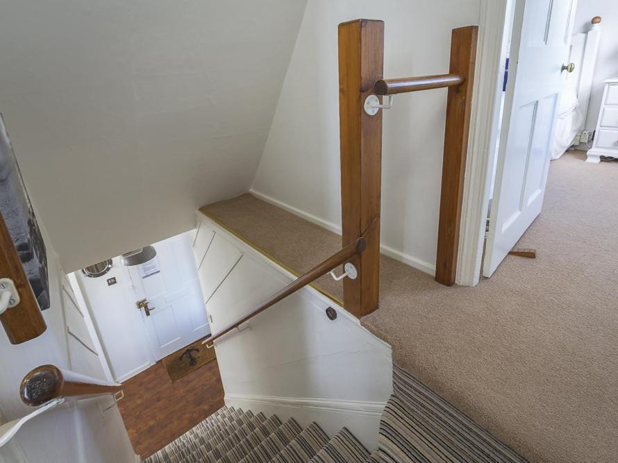 Ferry Steps Cottage - Laterooms