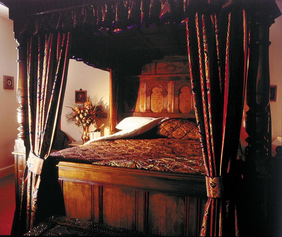THE DEDDINGTON ARMS HOTEL - Laterooms