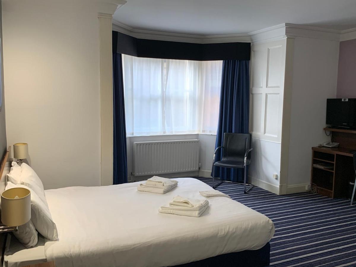 PIRIES HOTEL - Laterooms