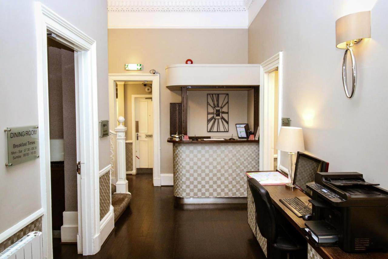Embassy Apartments - Laterooms
