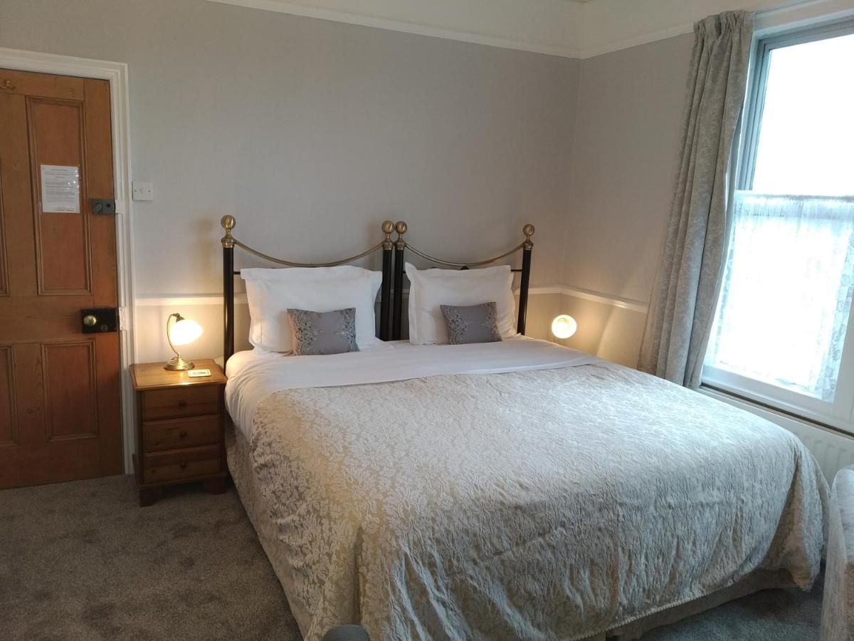 Anton Guest House B&B; - Laterooms