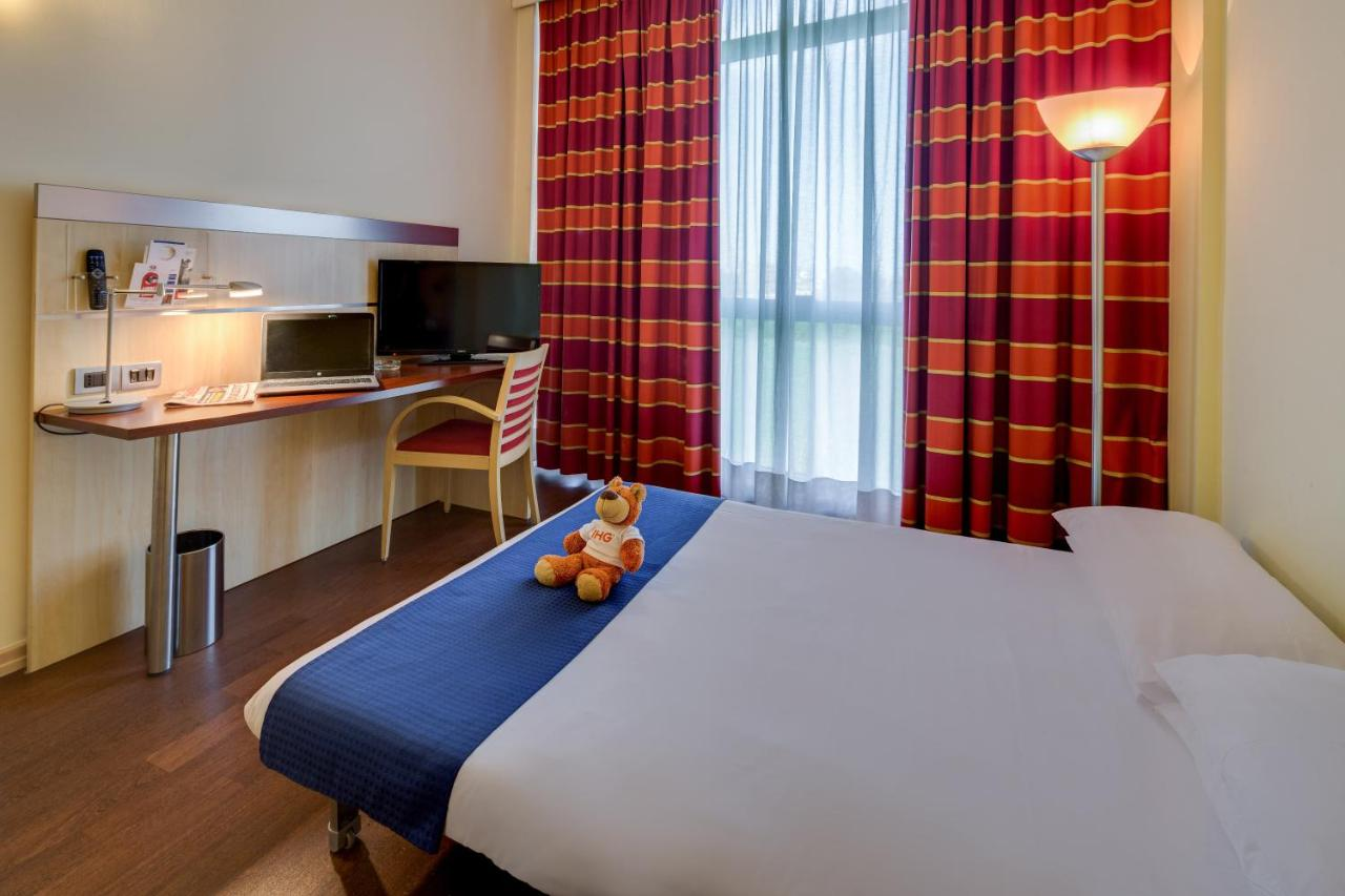 Holiday Inn Express PARMA - Laterooms