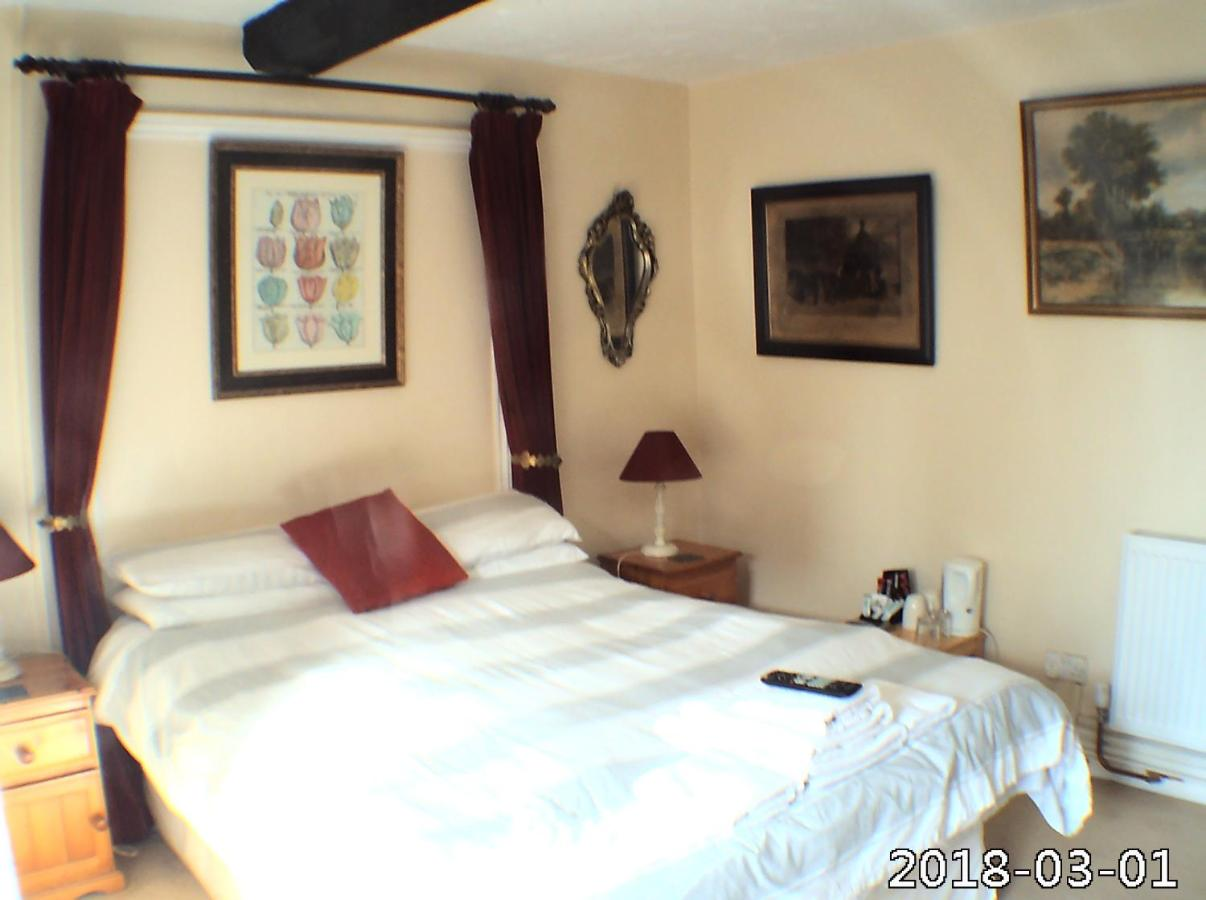 Featherstone Farm Hotel - Laterooms