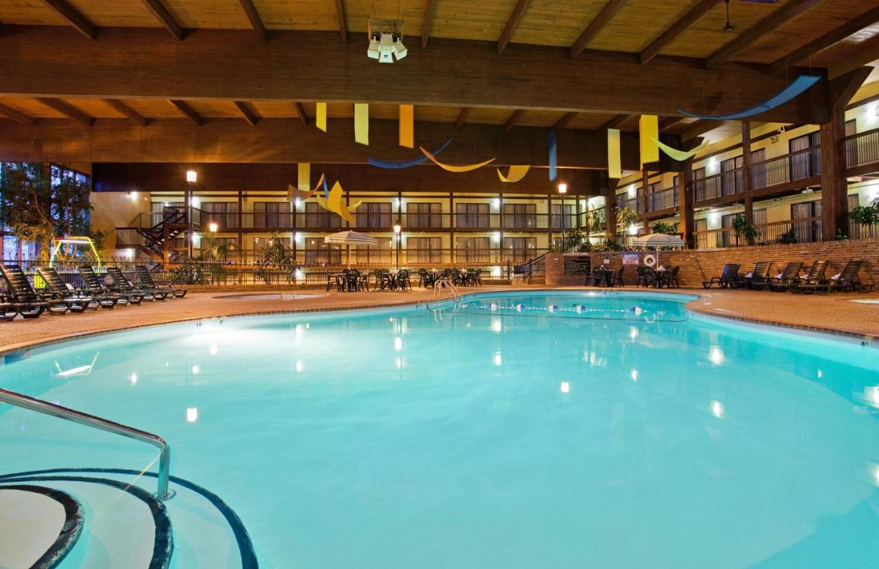 Holiday Inn SAINT LOUIS WEST AT SIX FLAGS - Laterooms