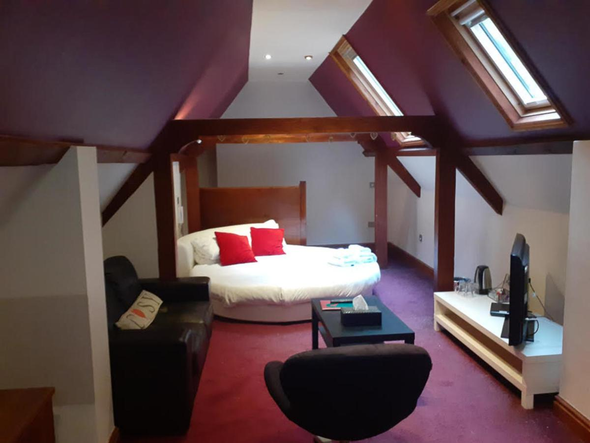 High Tor Hotel - Laterooms