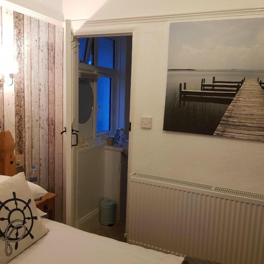 Singer House Guest House - Laterooms
