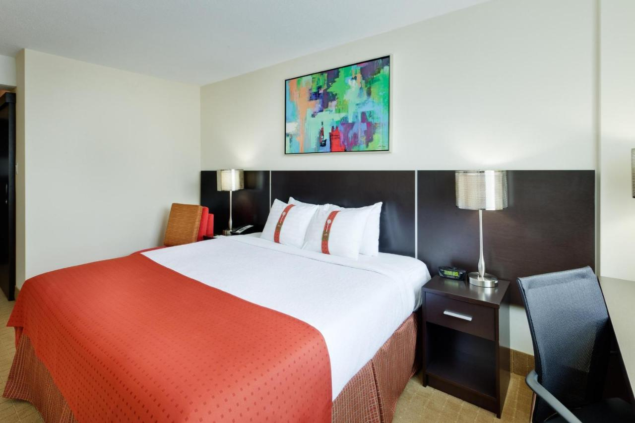 Holiday Inn TORONTO DOWNTOWN CENTRE - Laterooms