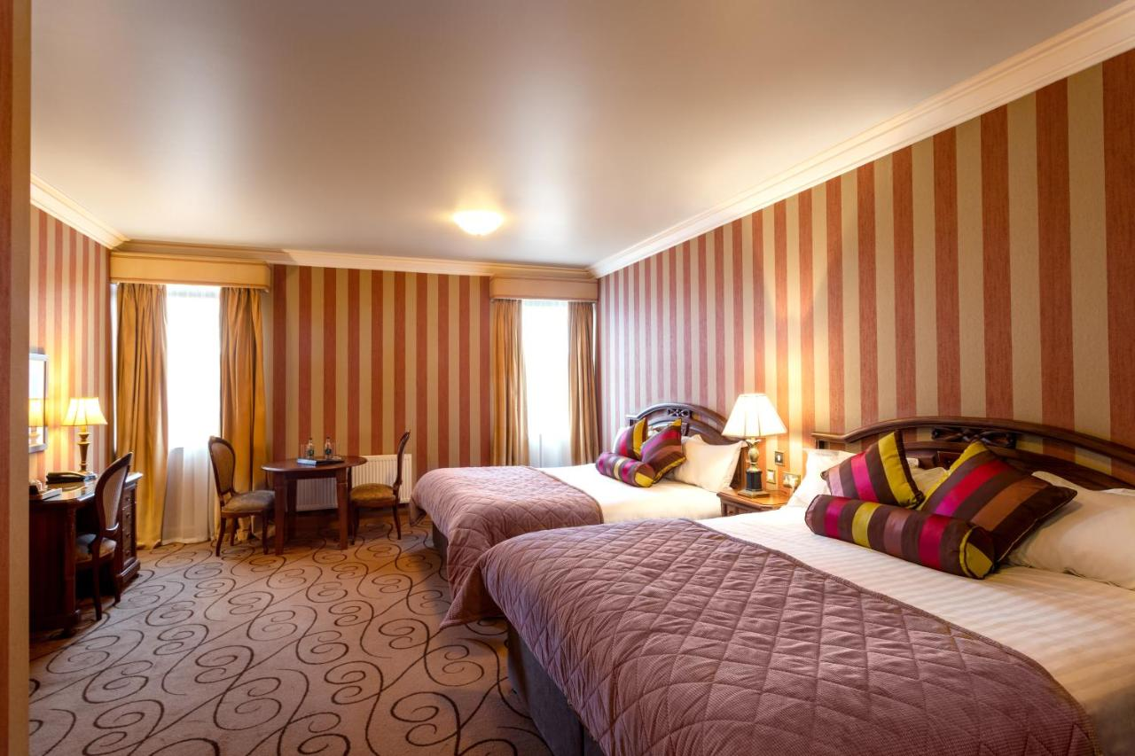 Lawlors Hotel - Laterooms