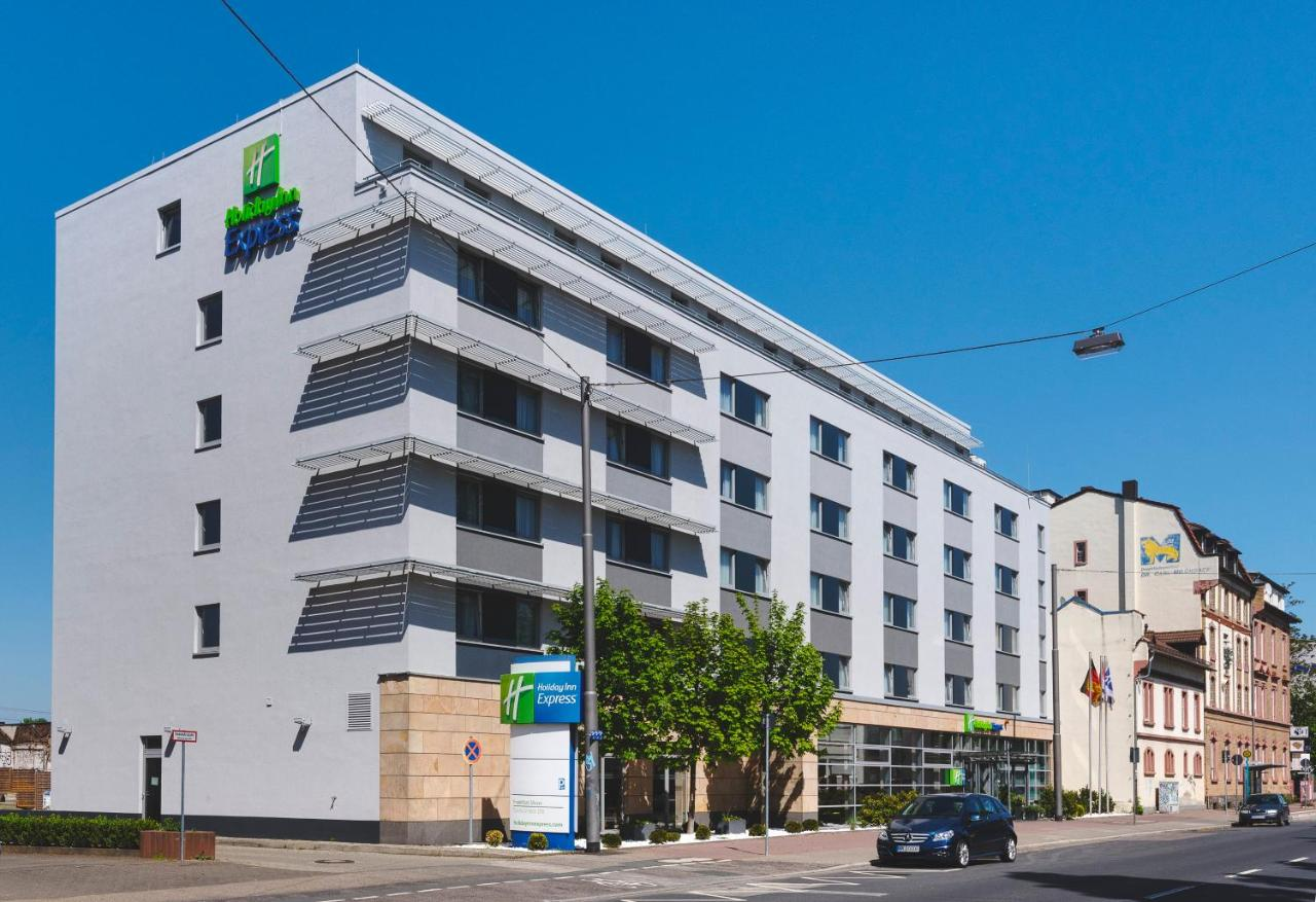 Express by Holiday Inn Frankfurt - Messe - Laterooms