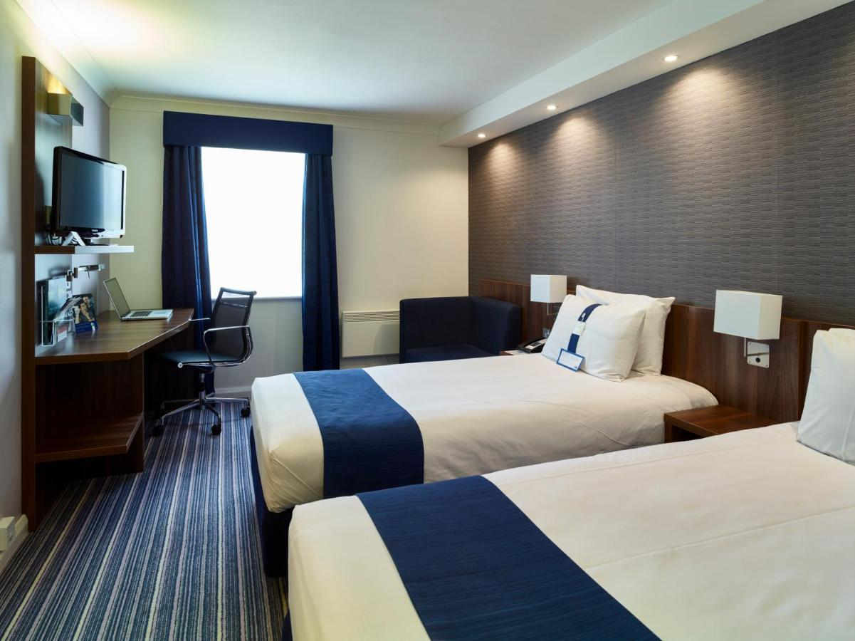 Holiday Inn Express GLENROTHES - Laterooms