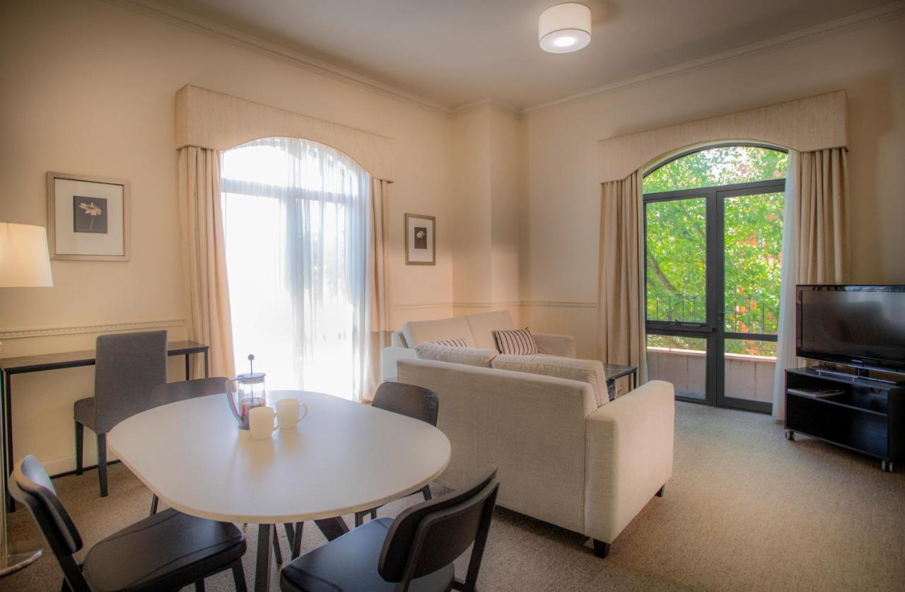 Majestic Old Lion Apartments - Laterooms