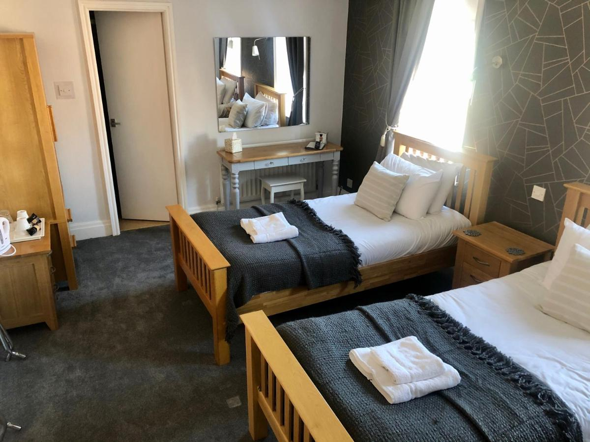 The Fossil Tree Hotel - Laterooms