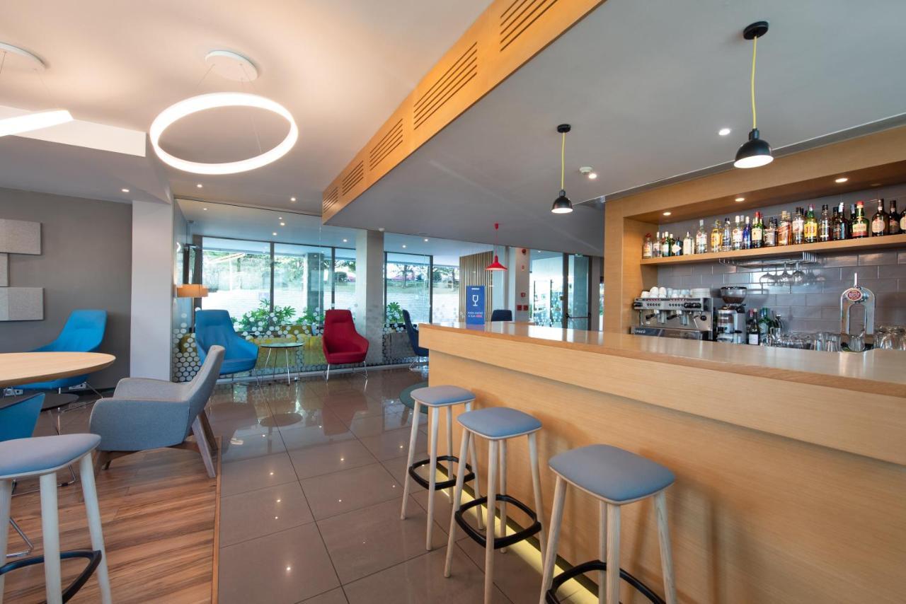 Holiday Inn Express Lisbon Airport - Laterooms