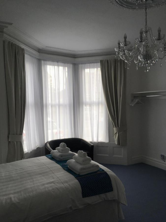 Brooklands Guest House - Laterooms
