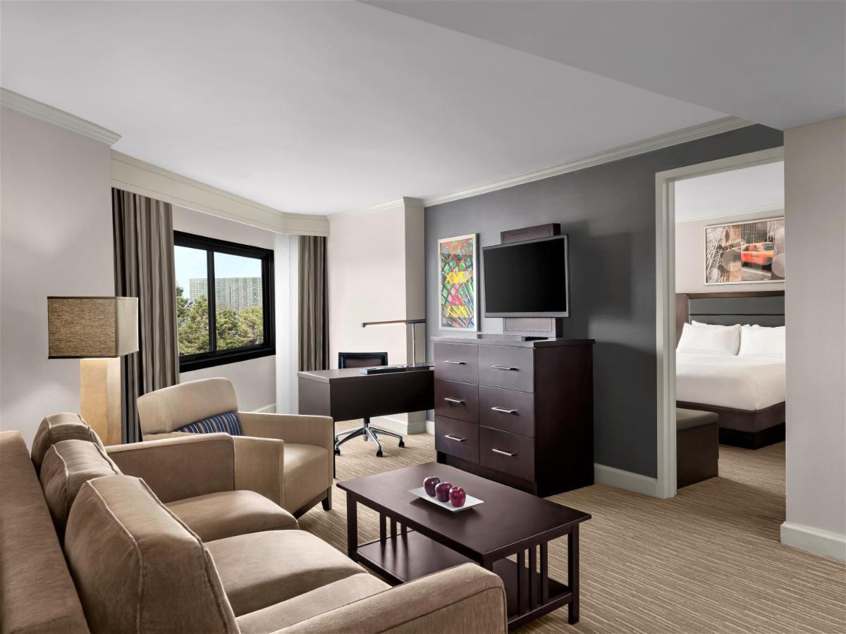 DoubleTree by Hilton Hotel Fort Lee - George Washington Bridge - Laterooms