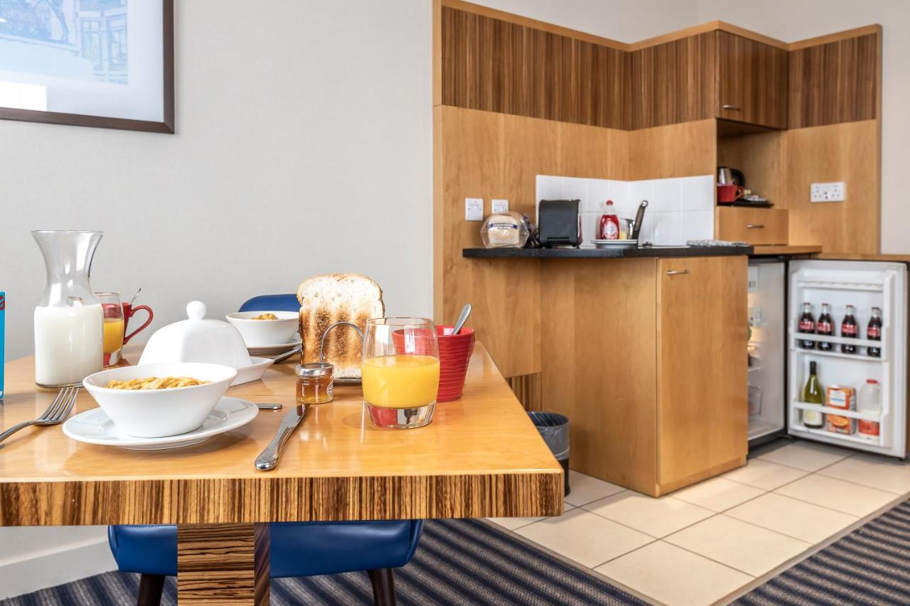 Ramada Hotel and Suites Coventry City Centre - Laterooms