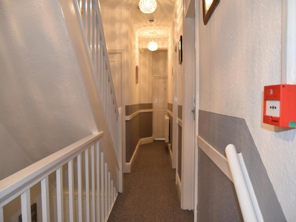The Lyndsay Guest House - Laterooms