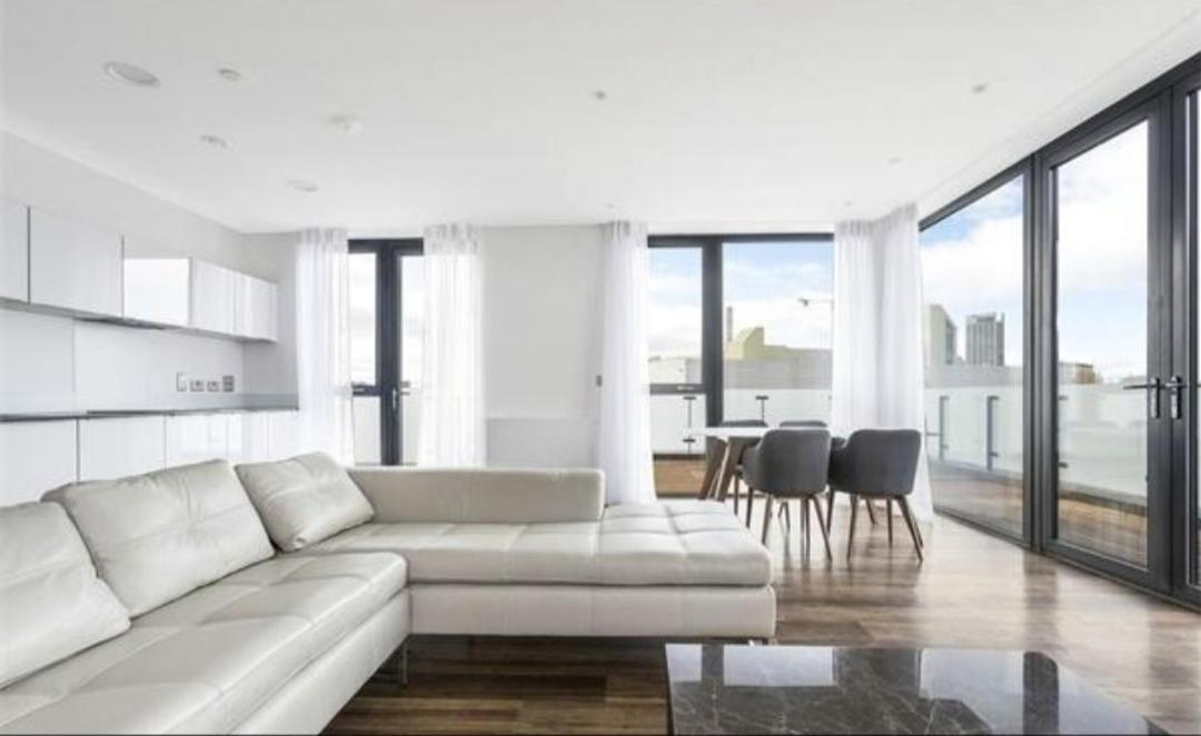 Amazing 3 Bedroom Luxury Apartments London Uk Booking Com