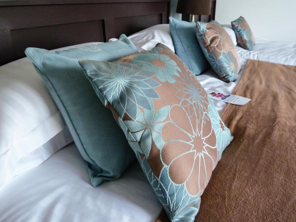 Tremont Guest Accommodation - Laterooms
