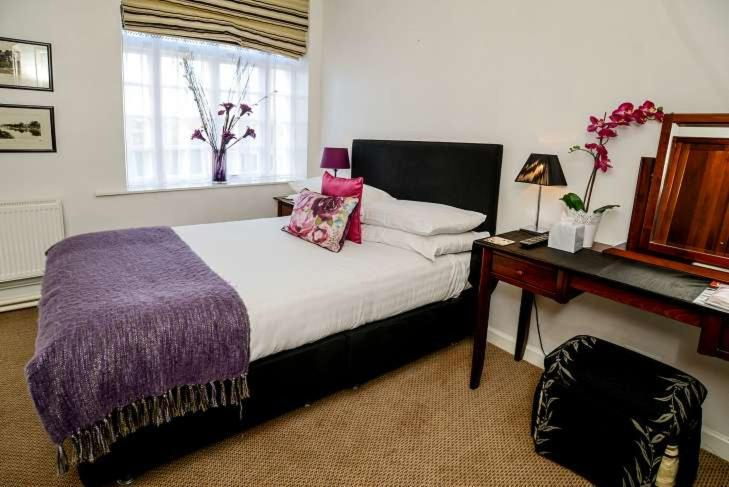 The Mytton & Mermaid Hotel - Laterooms