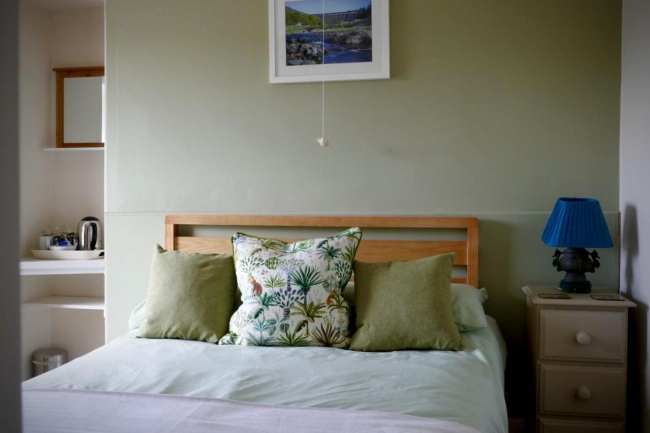 The Cedars Guesthouse - Laterooms