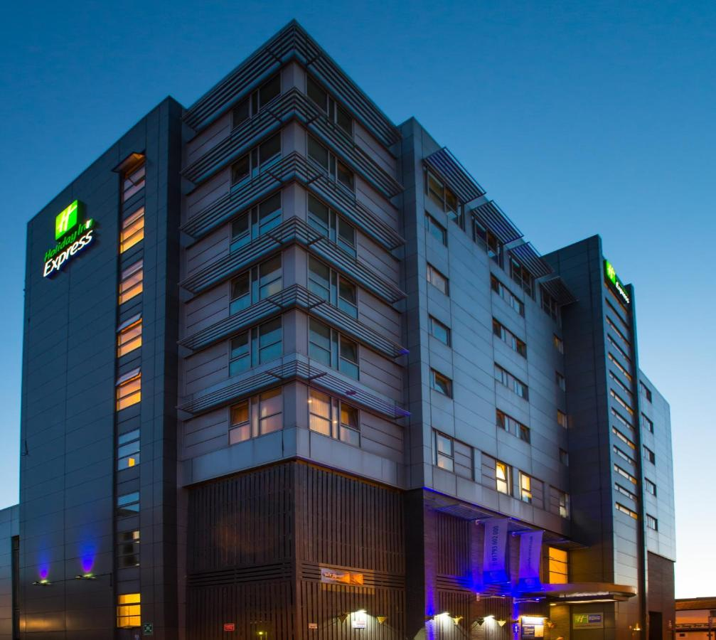 Holiday Inn Express BRADFORD CITY CENTRE - Laterooms