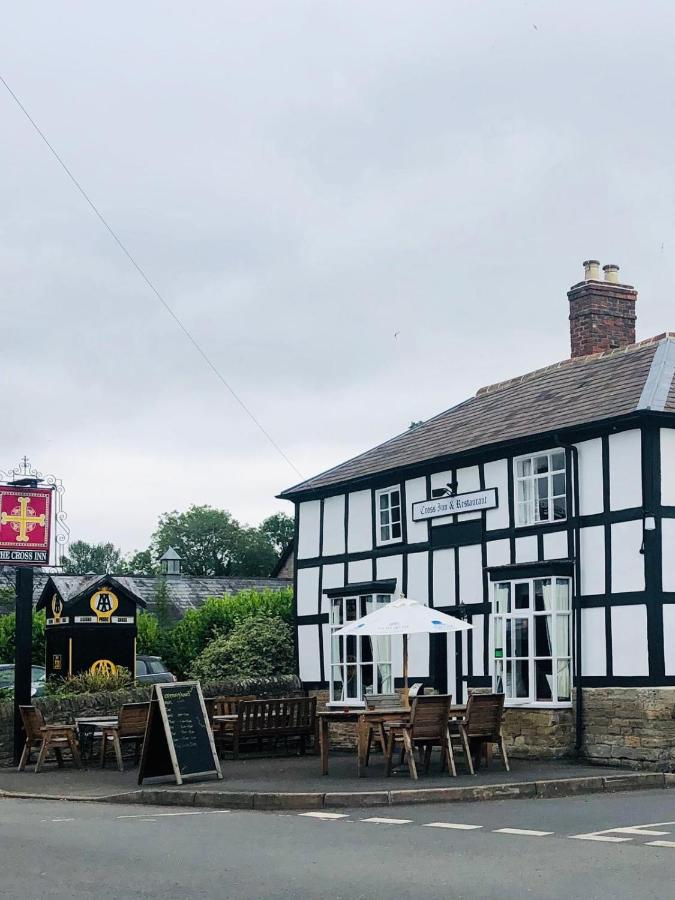 The Cross Inn - Laterooms