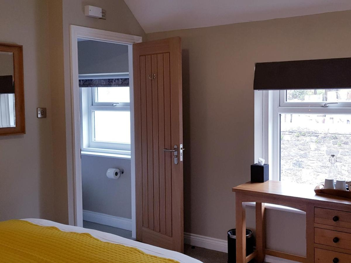 The Bowes Hotel - Laterooms