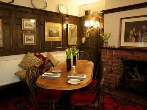 St Quintin Arms - Laterooms