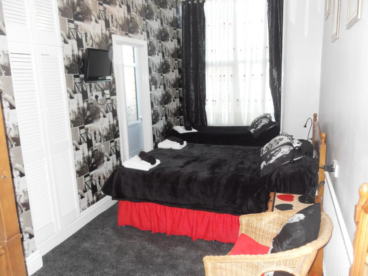 Bradleys Hotel - Laterooms