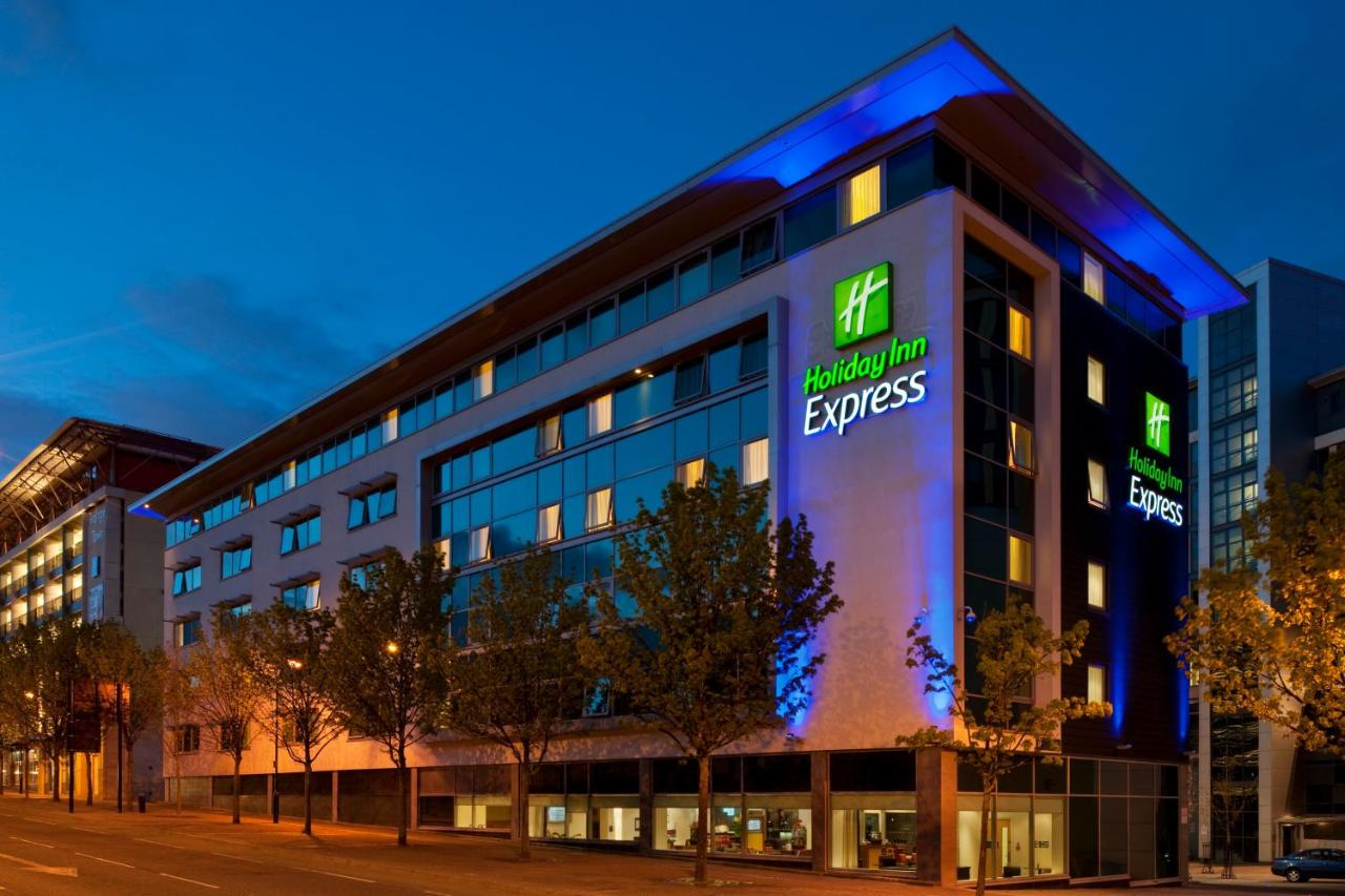 Holiday Inn Express NEWCASTLE CITY CENTRE - Laterooms