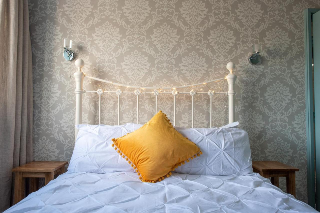 Clovelly Guest House - Laterooms