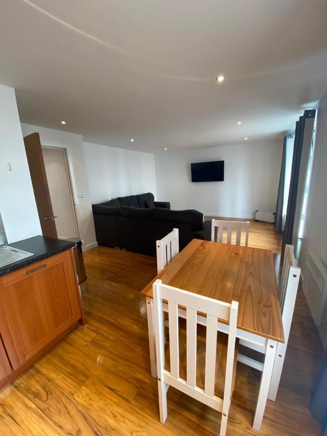 Hot-el-apartments Canon Court - Laterooms