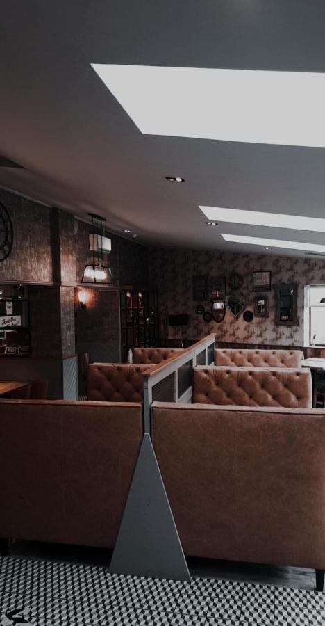 Livingston Lodge Hotel - Laterooms