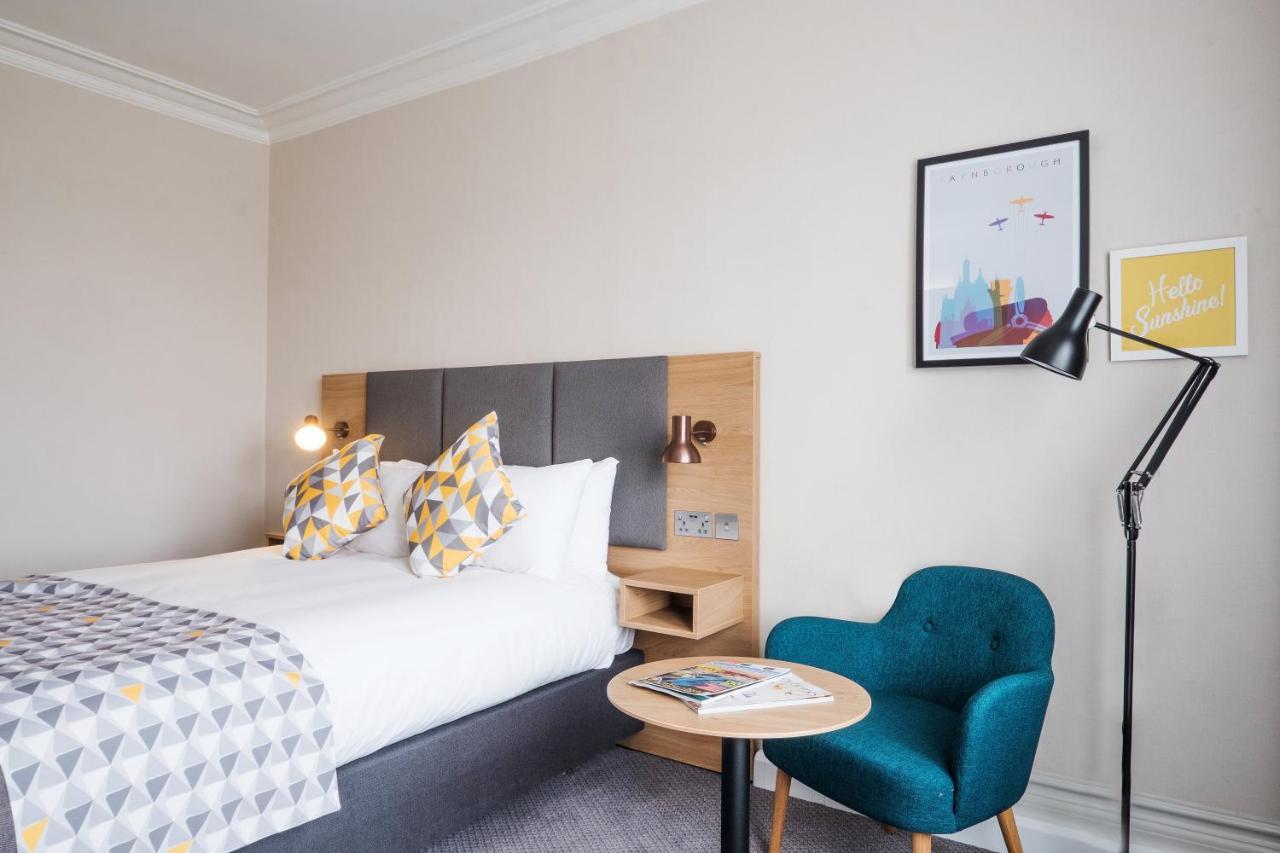 Holiday Inn FARNBOROUGH - Laterooms