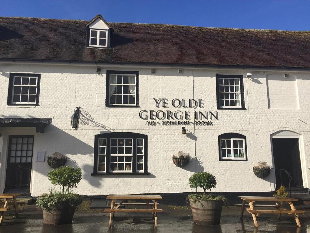 Ye Olde George Inn - Badger Pubs - Laterooms