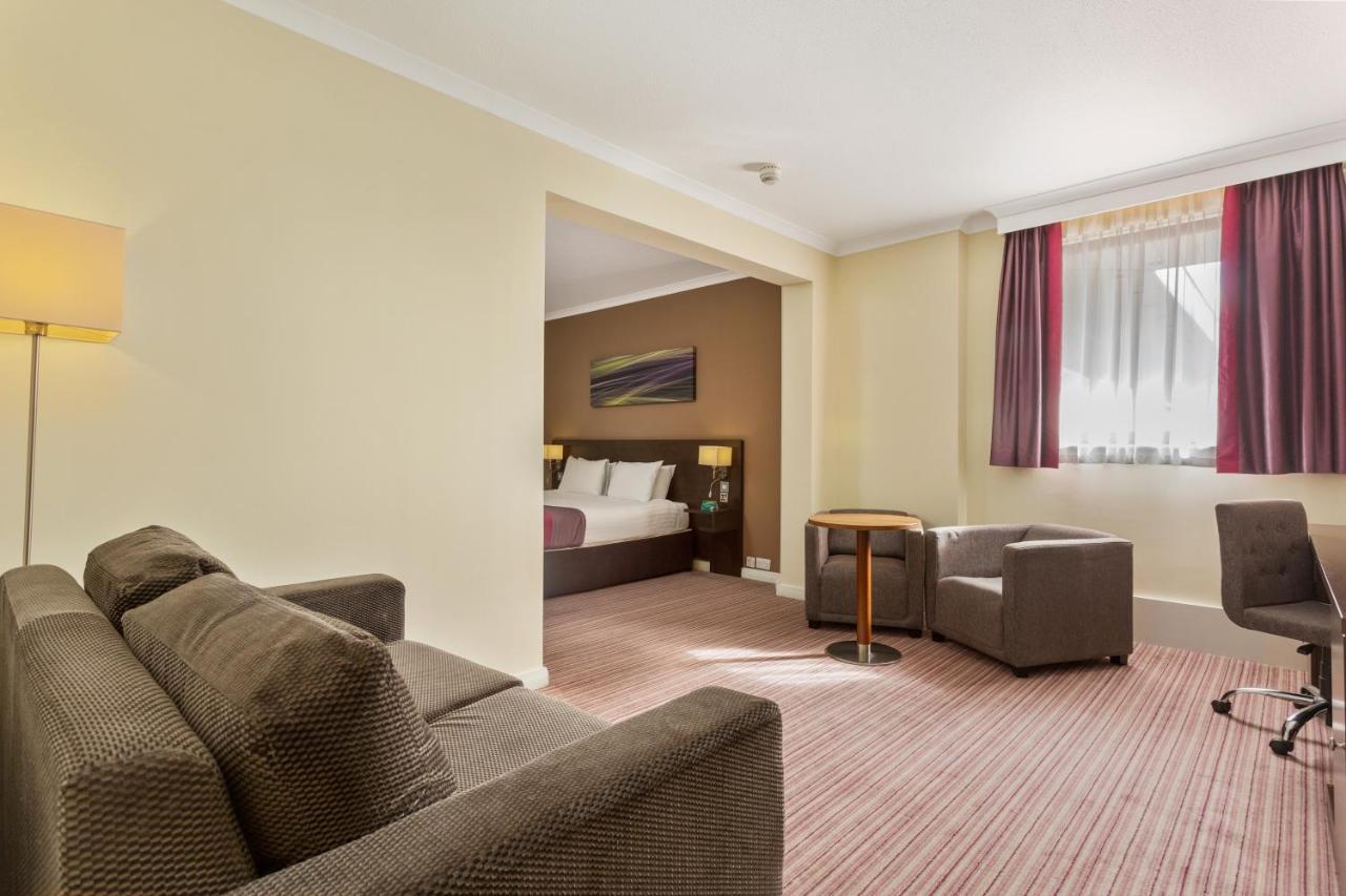 Holiday Inn LEAMINGTON SPA - WARWICK - Laterooms