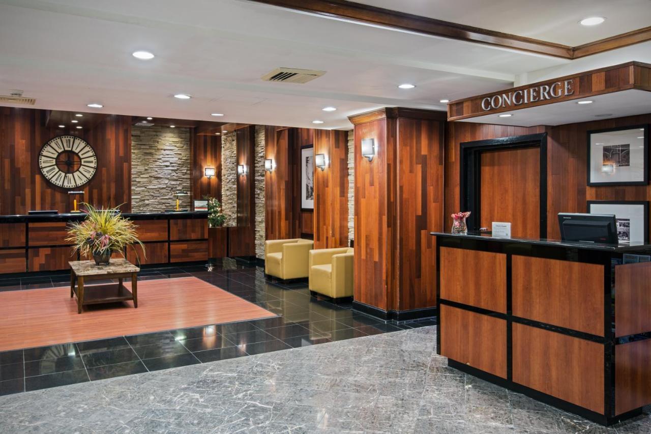 Crowne Plaza NEWARK AIRPORT - Laterooms