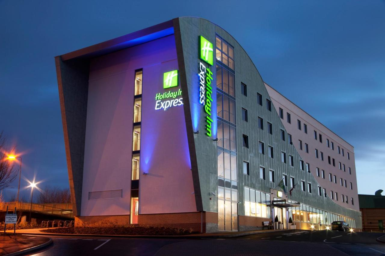 Holiday Inn Express SOUTHAMPTON - WEST - Laterooms