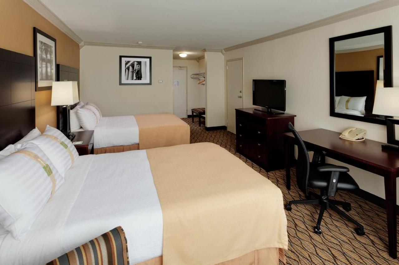 Holiday Inn GW BRIDGE-FORT LEE NYC AREA - Laterooms