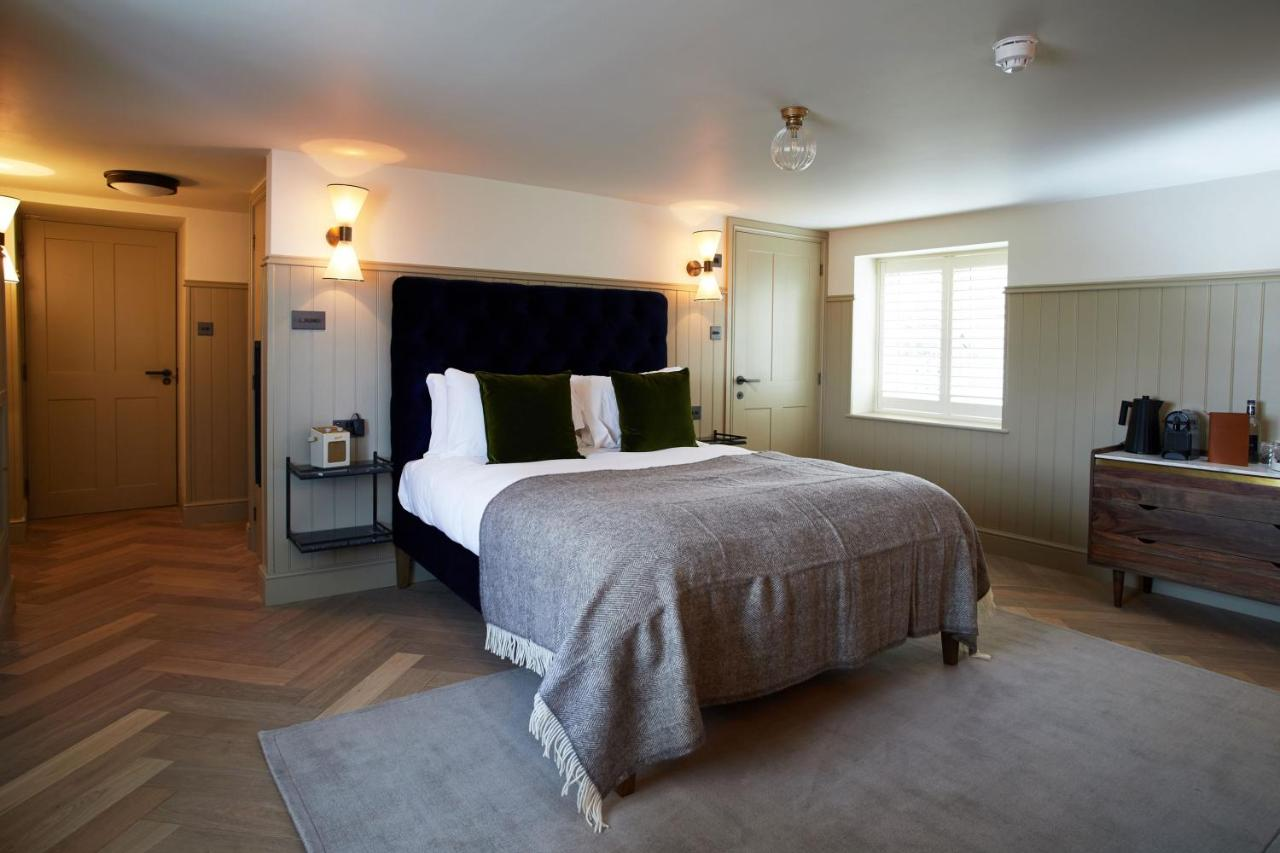 The Ingham Swan - Laterooms