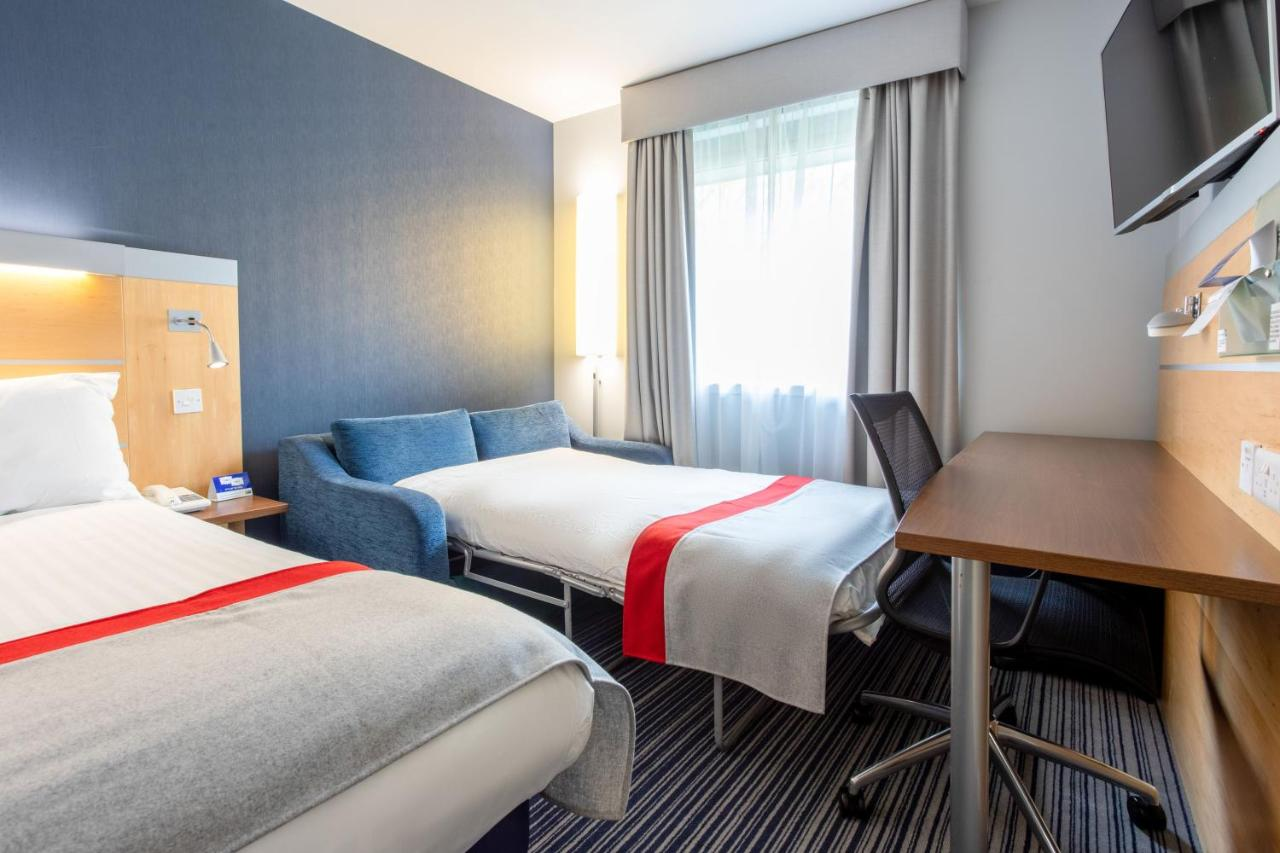 Holiday Inn Express DUNFERMLINE - Laterooms