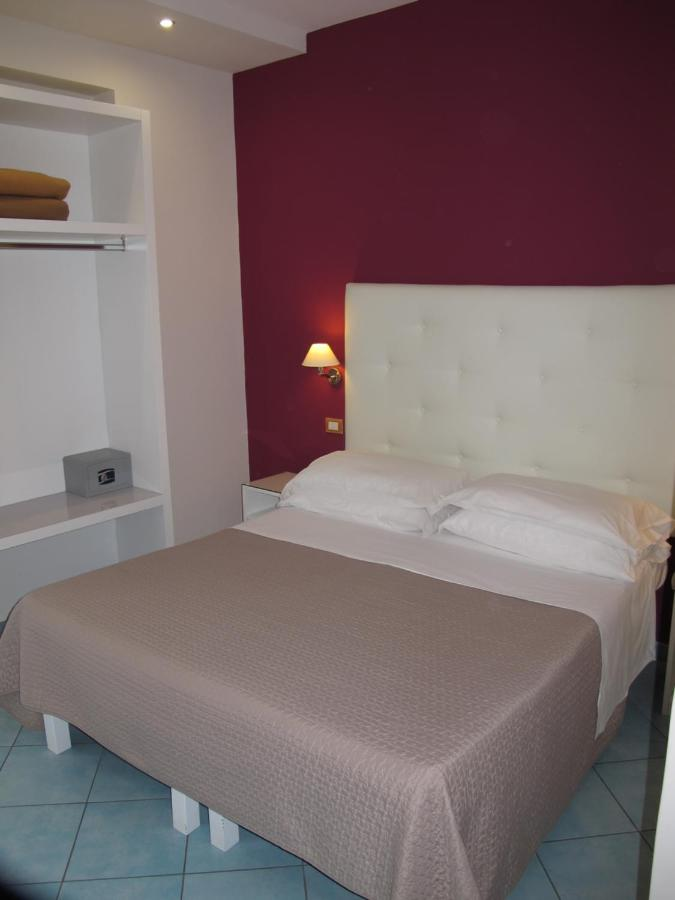 Hotel Club - Laterooms