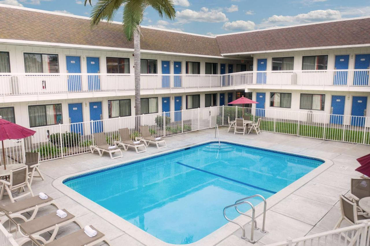 Motel 6 Pismo Beach*