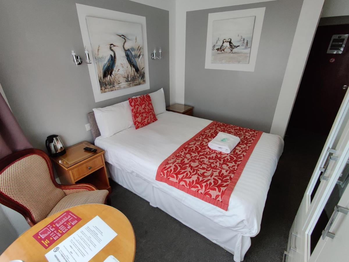 Cecil Court Hotel - Laterooms