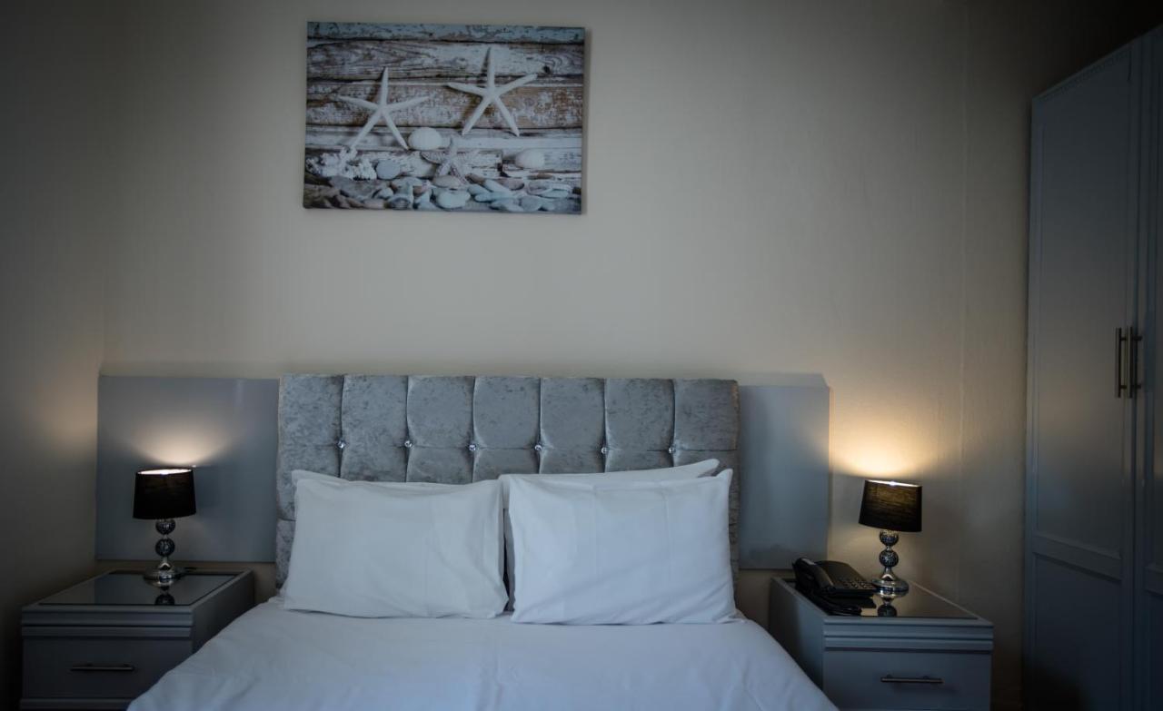 Delmont Hotel - Laterooms