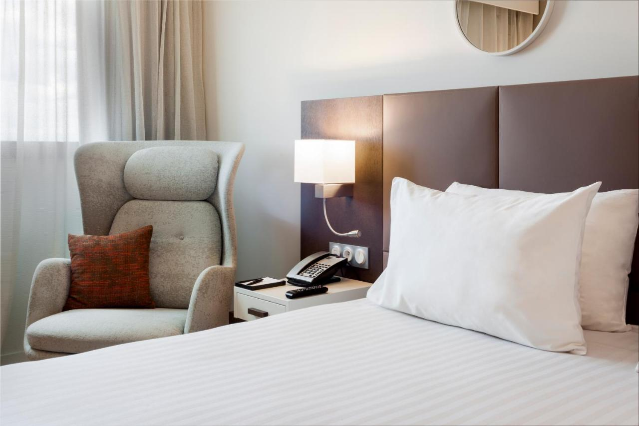AC Hotel Paris Le Bourget Airport by Marriott - Laterooms
